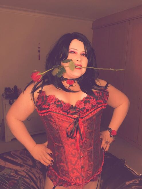 Ts Desire is an alluring shemale prodomme